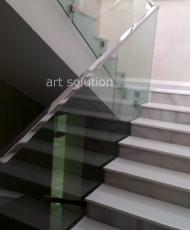 лестничное ограждение из прозрачного стекла