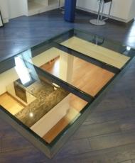 прозрачный стеклянный пол