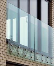 3 стеклянные перила для фрнцузского балкона