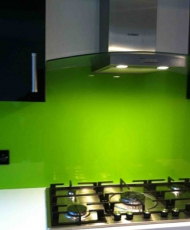 4 панель на кухню из стекла