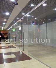 стеклоянные перегородки в торговом центре