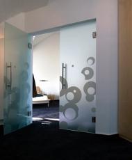 2 двери стеклянные с рисунком