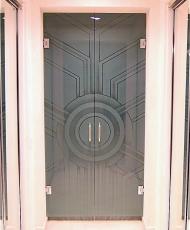 стеклянные разпашные двери