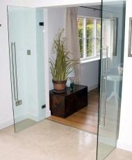 3 стеклянные двери интерьерные
