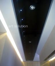 темный стеклянный потолок