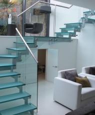 лестница прозрачная