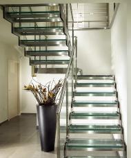 1 лестница из стекла