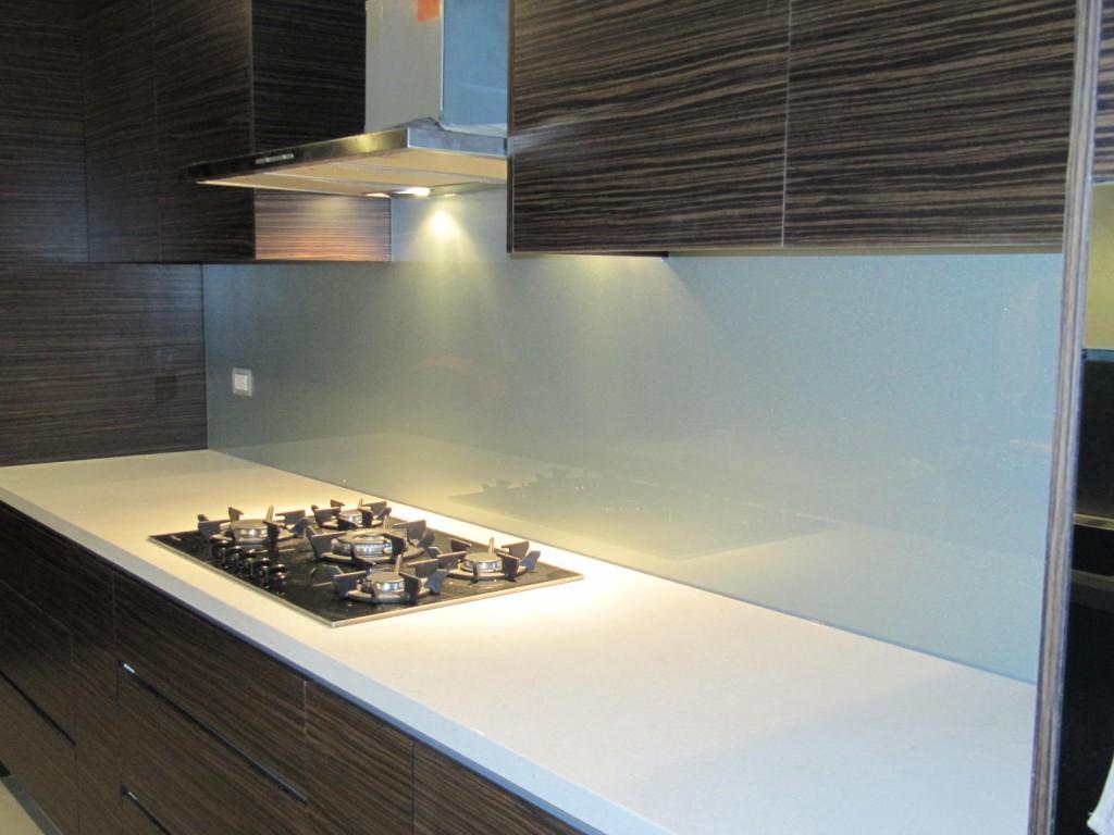 кухонное панно из стекла