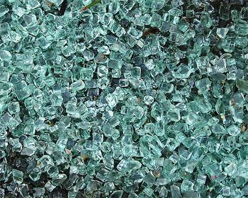 осколки закаленного стекла