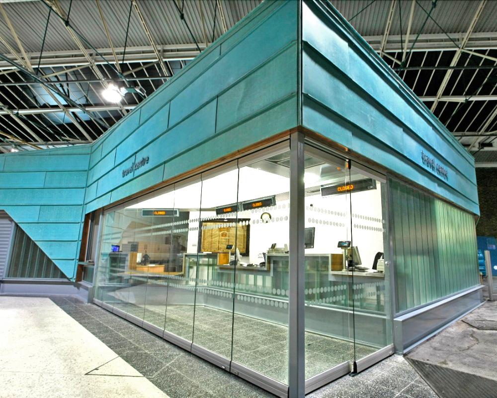 раздвижные конструкции из стекла